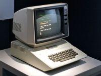 Computerele cu care Apple a scris istorie. De la calculatorul de lemn, la iPad 3 GALERIE FOTO + VIDEO