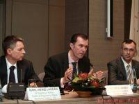Start in lupta telecom pe o piata cat 3% din PIB-ul Romaniei. Costul de pornire al licentelor de telefonie mobila: 726,8 mil.euro. GRAFIC