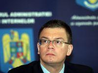 """Ungureanu ia in calcul o candidatura la Presedintie. """"Fostii sefi ai serviciilor secrete se pot implica in politica, nu pot pleca la manastire"""""""