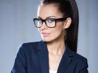 Vrei o cariera de succes? Iata 15 piese vestimentare pe care sa nu le porti niciodata la job