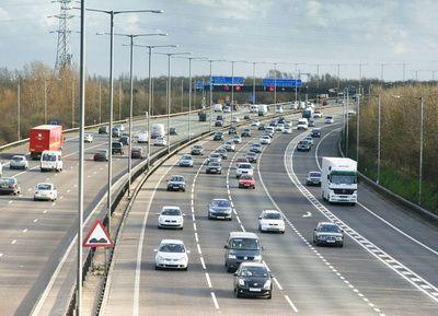 Premiera in Marea Britanie. Regatul concesioneaza drumurile si autostrazile, pe modelul Margaret Thatcher
