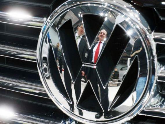 Volkswagen construieste masina care consuma mai putin de un litru de combustibil la 100 km. Primele imagini cu prototipul in miscare FOTO+VIDEO