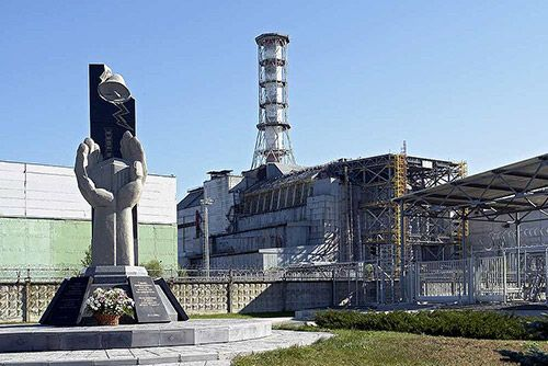 Ucraina  inveleste  centrala de la Cernobil intr-un nou sarcofag de ciment. Noua constructie costa 1,5 mld. euro si cantareste 20.000 de tone