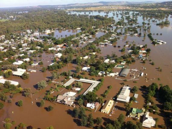 Cutremurul din Japonia si inundatiile de anul trecut au ingropat economia mondiala. Pagubele economice au ajuns la 370 mld. dolari
