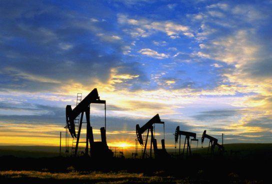 Franta, Marea Britanie si SUA vor sa forteze scaderea pretului petrolului prin utilizarea rezervelor nationale