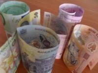 Romanii sunt cu 5 lei mai bogati. Castigul salarial mediu a crescut la 1.472 lei