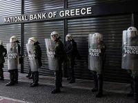 Cum incearca elenii sa evite nationalizarea bancilor, care au nevoie urgenta de un sfert din PIB-ul Greciei