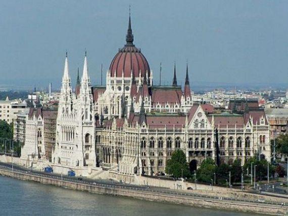 Vecinii se afunda in criza. Ungaria trebuie sa faca economii suplimentare de 135 milioane euro