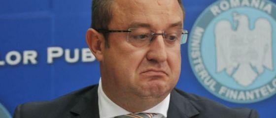 Sorin Blejnar şi Viorel Comăniţă, foști șefi ai Fiscului, trimiși în judecată pentru luare de mită. Prejudiciul depășește 2 mil. euro