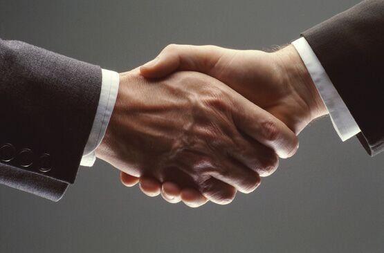 Prima impresie conteaza. 5 etichete de business vitale pentru managerii de astazi