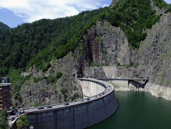 Hidroelectrica va rezilia aproape 90% din contractele cu  baietii destepti  din energie