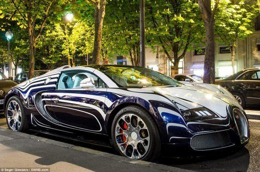 Bibelou de 2 mil. euro parcat in Paris. Primul Bugatti Veyron din istorie facut din portelan FOTO