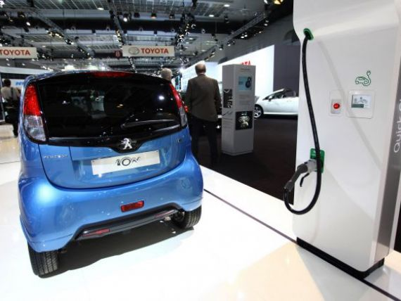 Schneider Electric:  Suntem pregatiti sa livram benzinariile electrice . Masina electrica intarzie insa