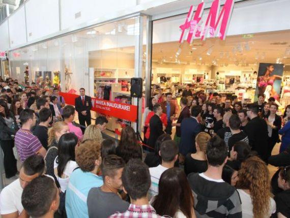 H M a mai deschis un magazin. Cati bani a facut in Romania al treilea cel mai bogat om de afaceri din Europa