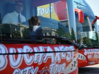"""Bucurestiul """"se lauda"""" cu 4 autobuze pentru traseul turistic, dotate asemenea celor din marile capitale"""