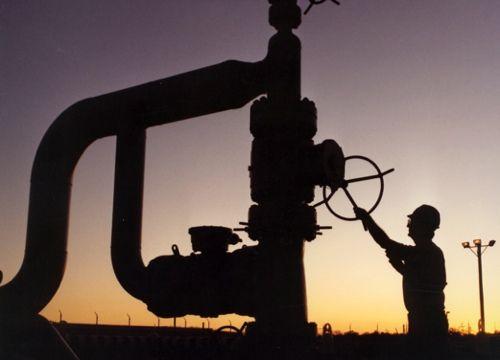 Incertitudinile privind economia americana scade cotatia petrolului la cel mai amplu declin dupa august 2011