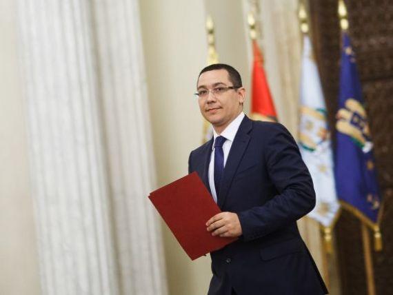 Traian Basescu a semnat numirea Guvernului condus de Victor Ponta. Noul premier:  Ne apucam de treaba de marti dimineata, fara festivitati si protocol