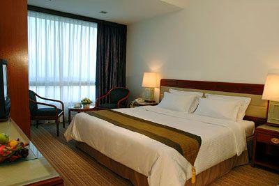 Finala Europa League a urcat tarifele hotelurilor din Bucuresti si de 20 de ori. Spaniolii au platit pana la 4.000 de euro pe noapte