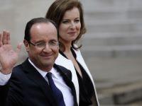 Prima calatorie a lui Hollande in calitate de presedinte al Frantei i-a dat fiori. Avionul prezidential a fost lovit de fulger