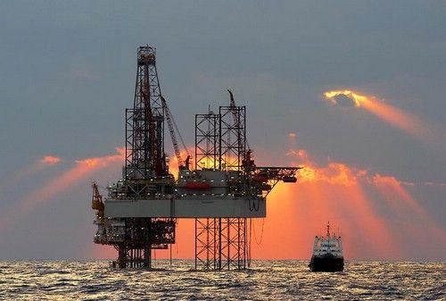 Ce va face Guvernul cu banii stransi din taxarea veniturilor petrolistilor