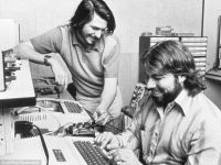 Apple 1 este de vanzare cu 180.000 dolari. Povestea calculatorului care a facut istorie