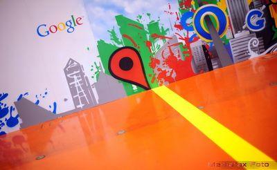 Masina magica de facut bani a gigantului Google. Facebook plange