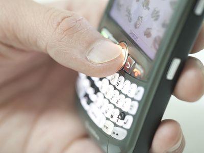 De la 1 iulie, operatorii telecom au redus cu pana la 65% tarifele de roaming
