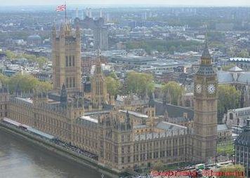 Marea Britanie isi ia masuri de precautie: anunta un program de 100 miliarde de lire sterline pentru sustinerea economiei