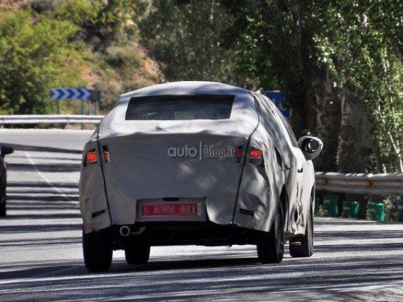 Logan 2 a iesit pe sosele. Primele poze spion cu noul model de la Dacia GALERIE FOTO
