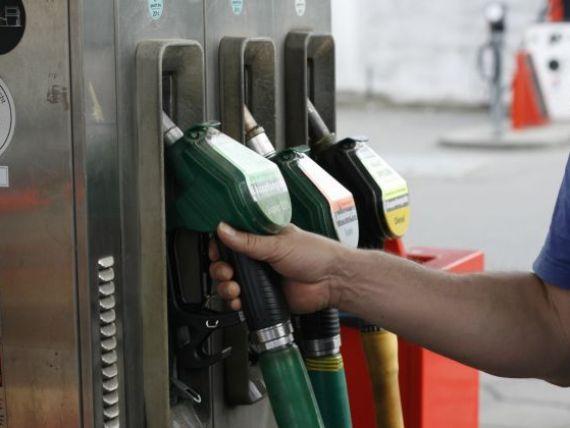 Petrom a scumpit benzina si motorina cu opt bani