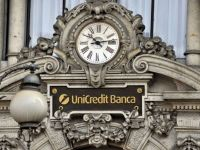 Moody's a retrogradat 13 banci italiene, inclusiv UniCredit si Intesa Sanpaolo, cele mai mari institutii financiare din tara