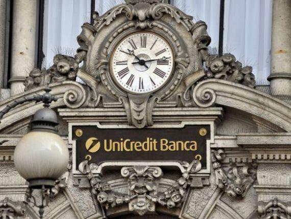 Moody s a retrogradat 13 banci italiene, inclusiv UniCredit si Intesa Sanpaolo, cele mai mari institutii financiare din tara