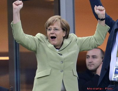 Euro slab = Germania tot mai puternica. Masina de export nemteasca obtine in criza mai mult decat contribuie la ajutorul pentru statele euro