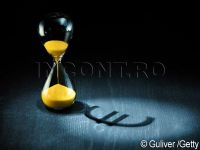 Moneda nationala s-a oprit, pentru putin timp, din picaj. Cotatia euro-leu a coborat, in timp ce dolarul a continuat sa se aprecieze