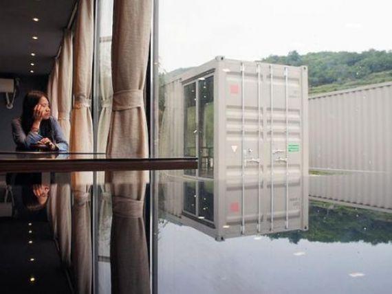 Chinezii au construit primul hotel din lume realizat din containere reciclabile FOTO