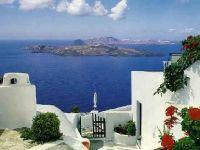 Doar turistii bogati mai pot salva economia Greciei. Ce trebuie sa invete Europa din soarta unei tari cu istorie bogata, dar cu management defectuos
