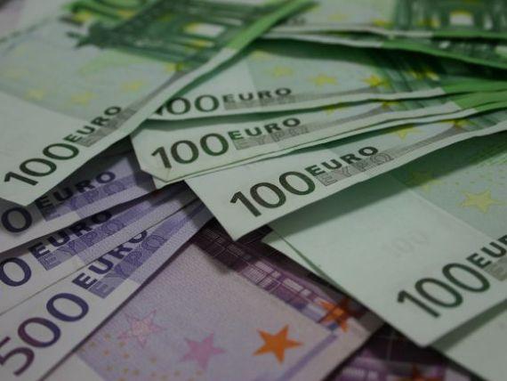Criza politica nu s-a terminat. Capital Economics: Leul ar putea atinge un nou minim istoric, dincolo de recordul de 4,64 lei/euro