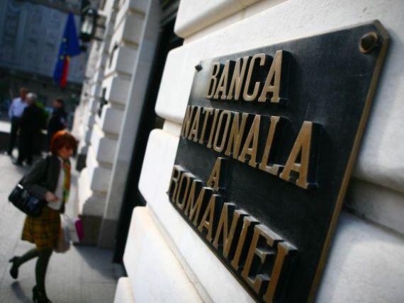 Scad rezervele valutare de la BNR. Banca centrala mai are in visterie 32,14 miliarde de euro