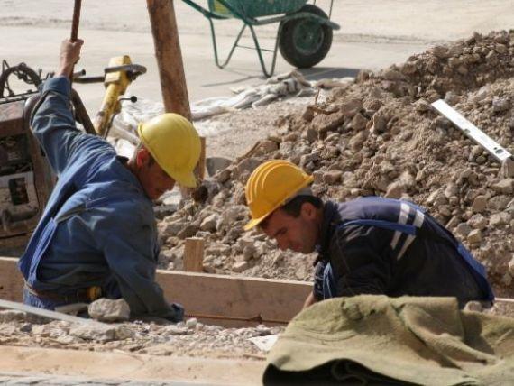 FMI  pune presiuni  pe Guvern pentru modificarea legislatiei muncii. Cum au reactionat sindicatele si patronatele