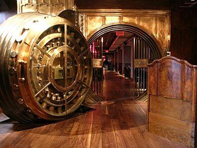 Elvetia nu mai reprezinta o garantie pentru pastrarea banilor. Noul paradis fiscal al bogatasilor