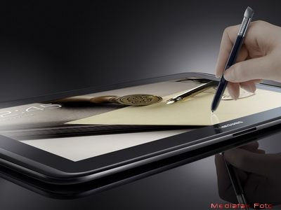 Samsung nu se lasa.  Tableta care va ingenunchea iPad-ul  este la vanzare GALERIE FOTO