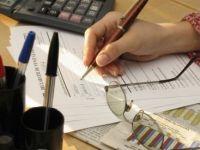 Firmele mici vor fi obligate sa aplice TVA la incasare. Cele mari nu deduc taxa inainte de plata