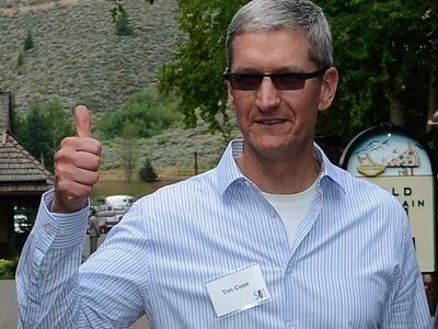 iPad mini tocmai a dus actiunea Apple la nivel record. Tinta de pret: 900 de dolari, adica o capitalizare de piata a companiei de peste 800 miliarde