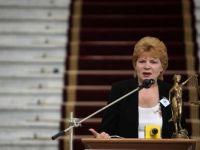 "Mona Pivniceru si-a dat demisia din magistratura. Premierul: ""Sper ca, miercuri seara, va depune juramantul ca ministru al Justitiei"""
