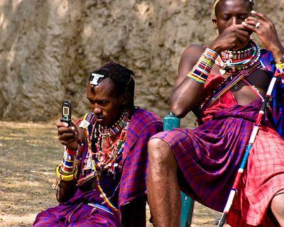 Africanii descopera obiceiurile occidentale. Afacerile care rasuna pe continentul negru