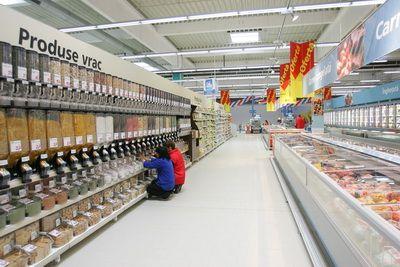 Bloomberg: Metro discuta vanzarea retelei Real din afara Germaniei. 24 de hipermarketuri sunt in Romania