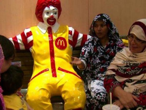 Strategia de marketing inedita. McDonald rsquo;s ii atrage pe credinciosii din India cu restaurante vegetariene deschise in locurile de pelerinaj si rugaciune