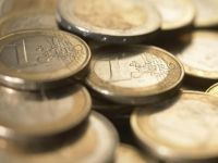 Tarile non-euro, deloc entuziasmate sa adopte moneda unica. Romania isi mentine tinta pentru 2015