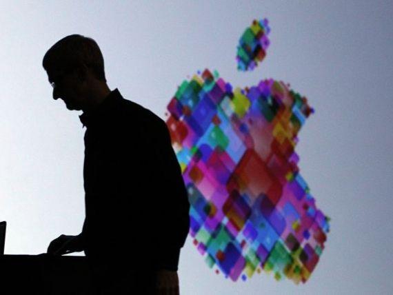 Directorul Apple face ceea ce n-a facut niciodata un oficial al companiei: le cere scuze clientilor si-i directioneaza catre rivali