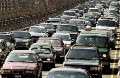 Asiguratorii s-au saturat de nesimtirea din trafic:  Ponderea ridicata a asigurarilor auto este un semn al lipsei de civilizatie